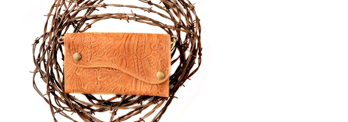 Tan Leather Cleopatra Wallet on Barbed Wire