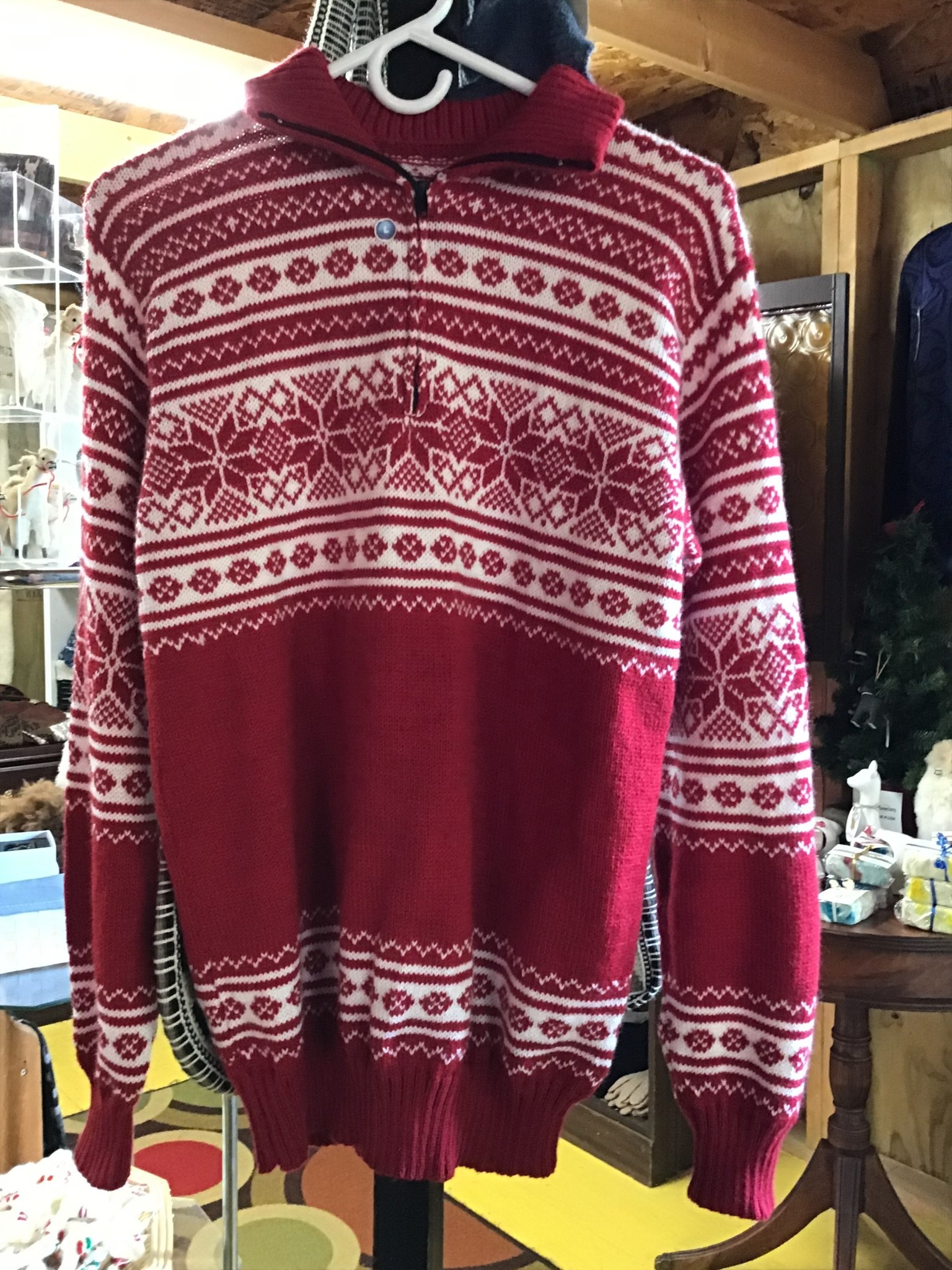 Alpaca Mall Alpaca Sweater, Red and White pattern