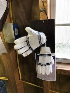 Andean Art Alpaca Gloves, Child's White, 2 Black