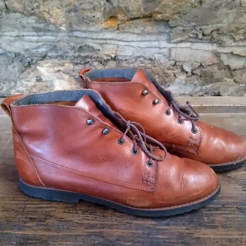 Size 9 Vintage Lace Up Booties