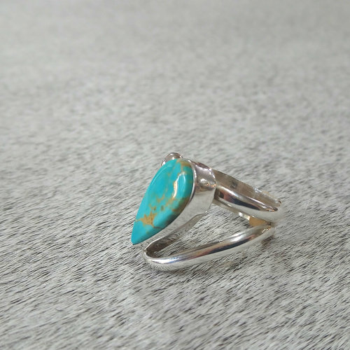 Sterling & Turquoise Raindrop Ring size 7