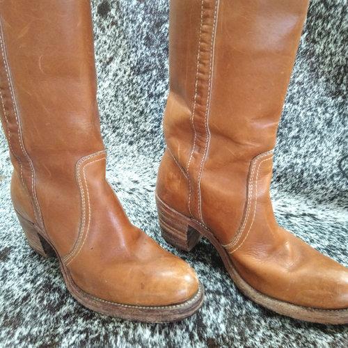 15a71ee7d7494 Vintage Frye Boots SZ. 6