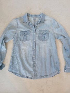 FOUND Charlotte Russe Chambray Button Down size L