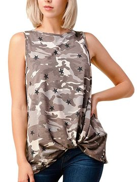 CURVY Sleeveless Camo Star Top