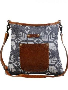 Leaflike Shoulder Bag
