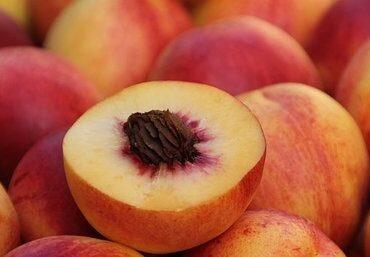 Peak Eats PeakEats Peach Crumble