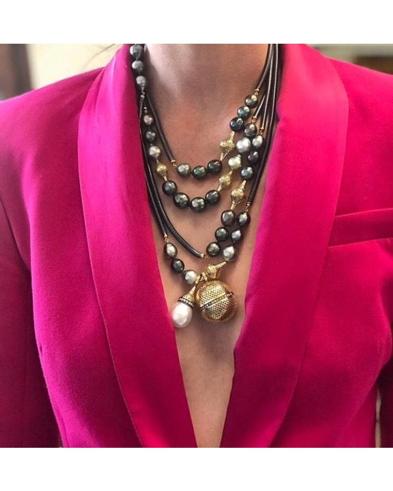 Crownwork & Pearl Necklace