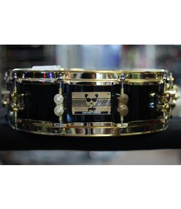 PDP PDP Eric Hernandez 4x14 6 Ply Maple, Piano Black Lacquer with Gold Hardware