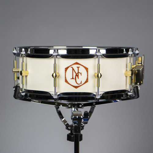 "Noble & Cooley Noble & Cooley Maple Solid Shell 5x14"" Snare Drum - Antique White Reveal w/ Brass HW"