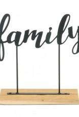 Family en bois et en métal (en anglais seulement)