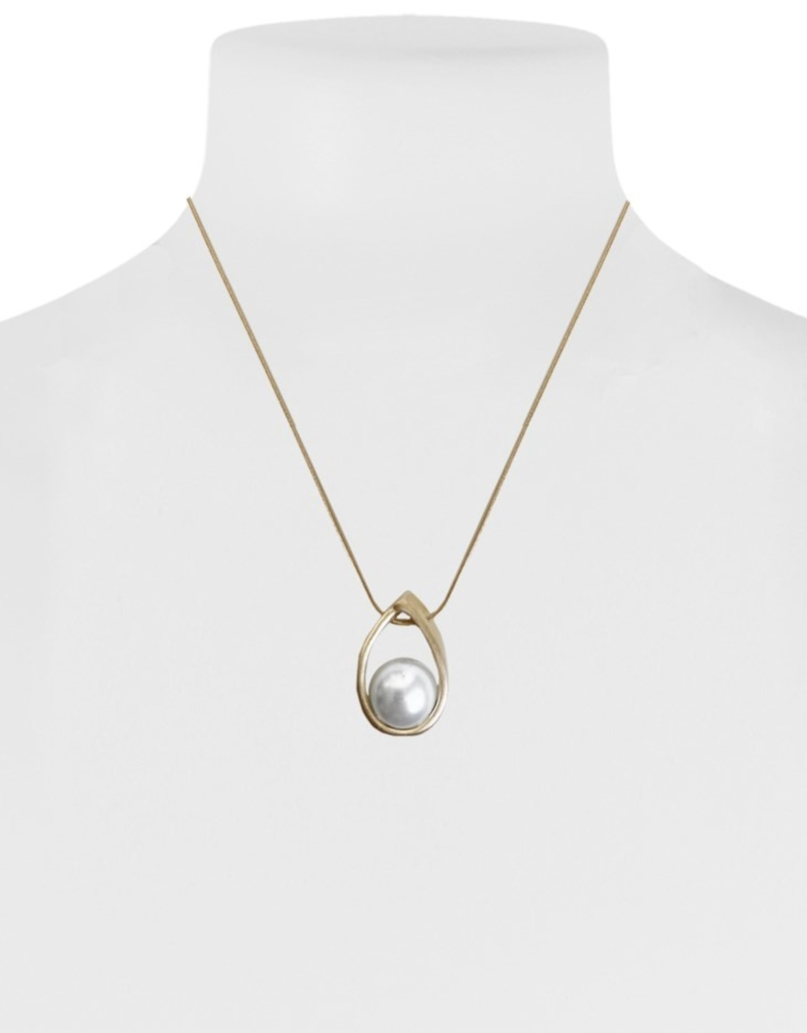 Brushed Metallic Pendant & Pearl Necklace-gold