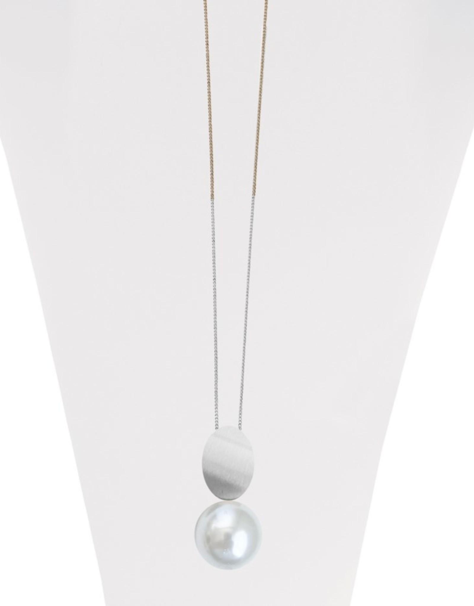 Long collier ajustable avec pendentif métalique brossé et perle-argent