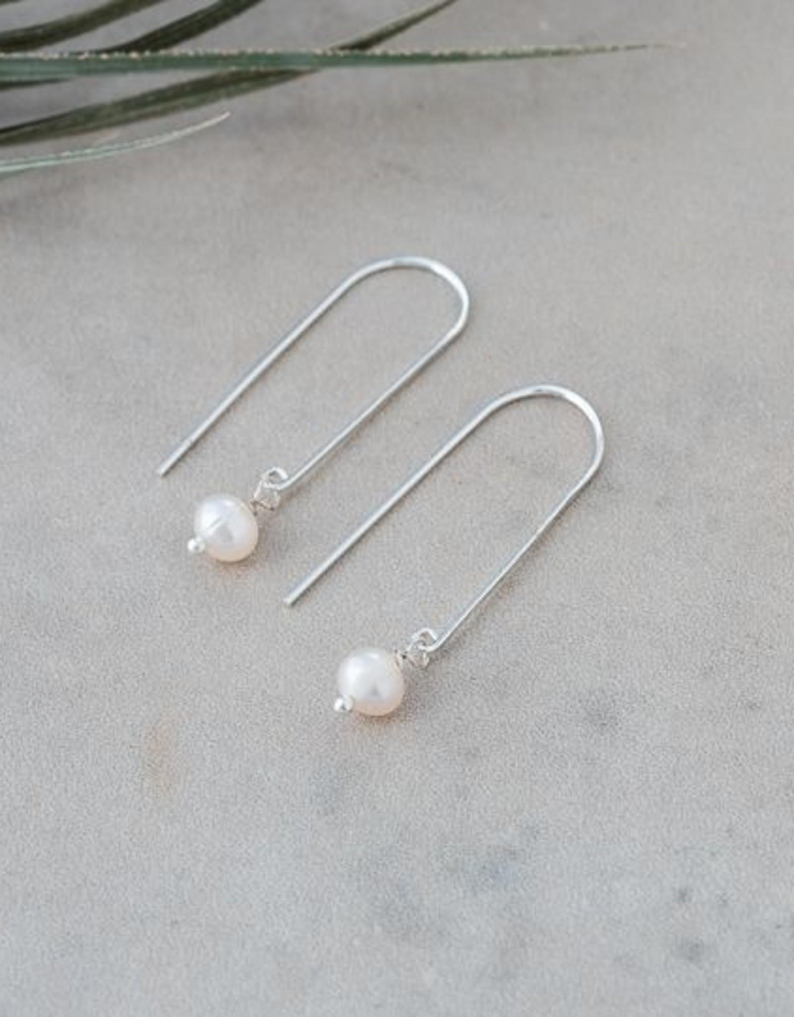 Lore Earrings-silver/fresh water pearl