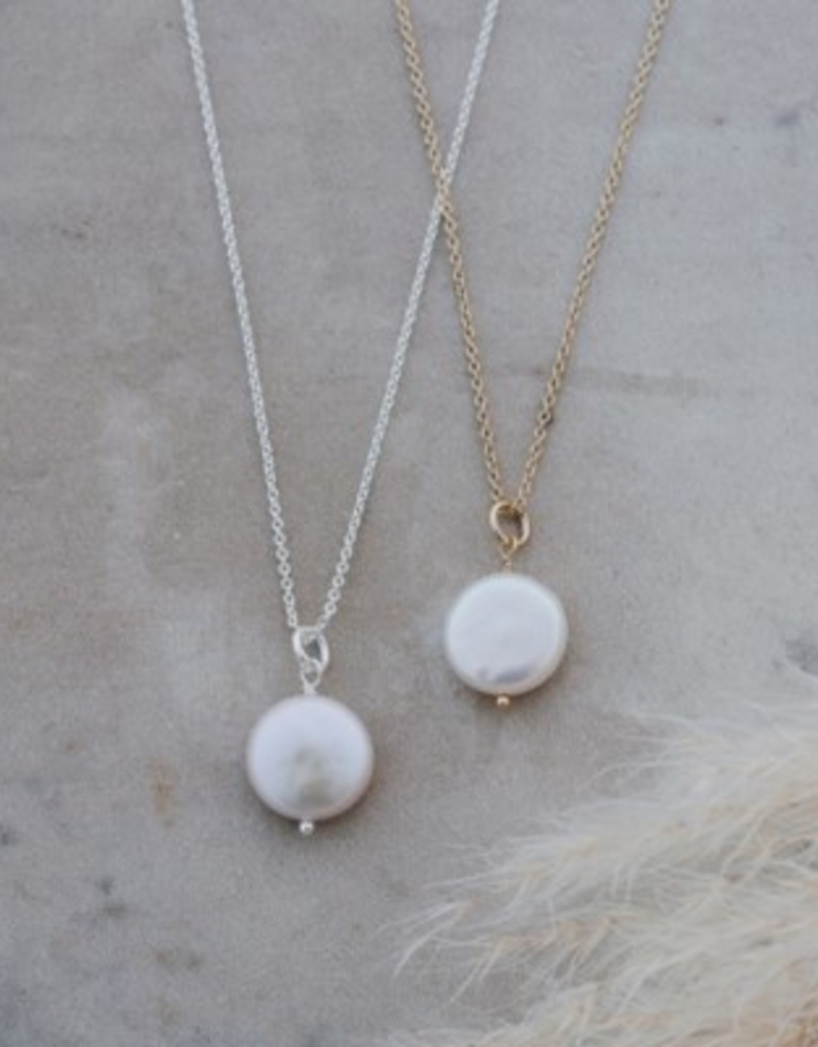 Liv Necklace-gold/fresh water pearl