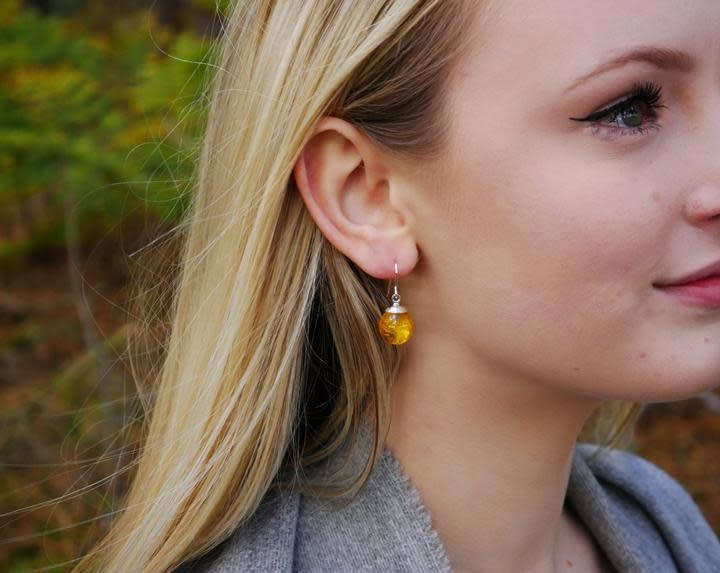 Earrings: SS Buttercup Drop