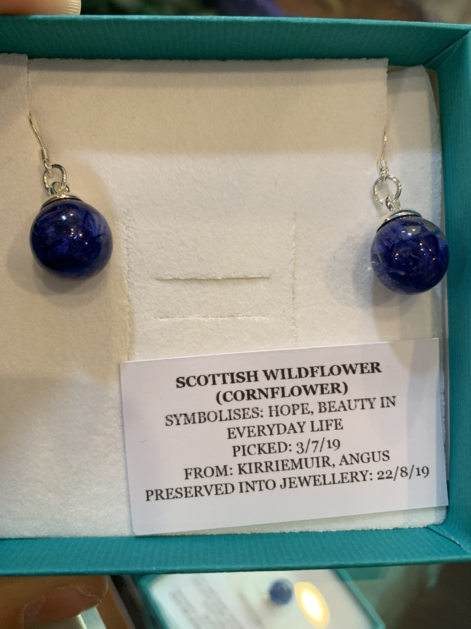 Earrings: SS White Wildflower