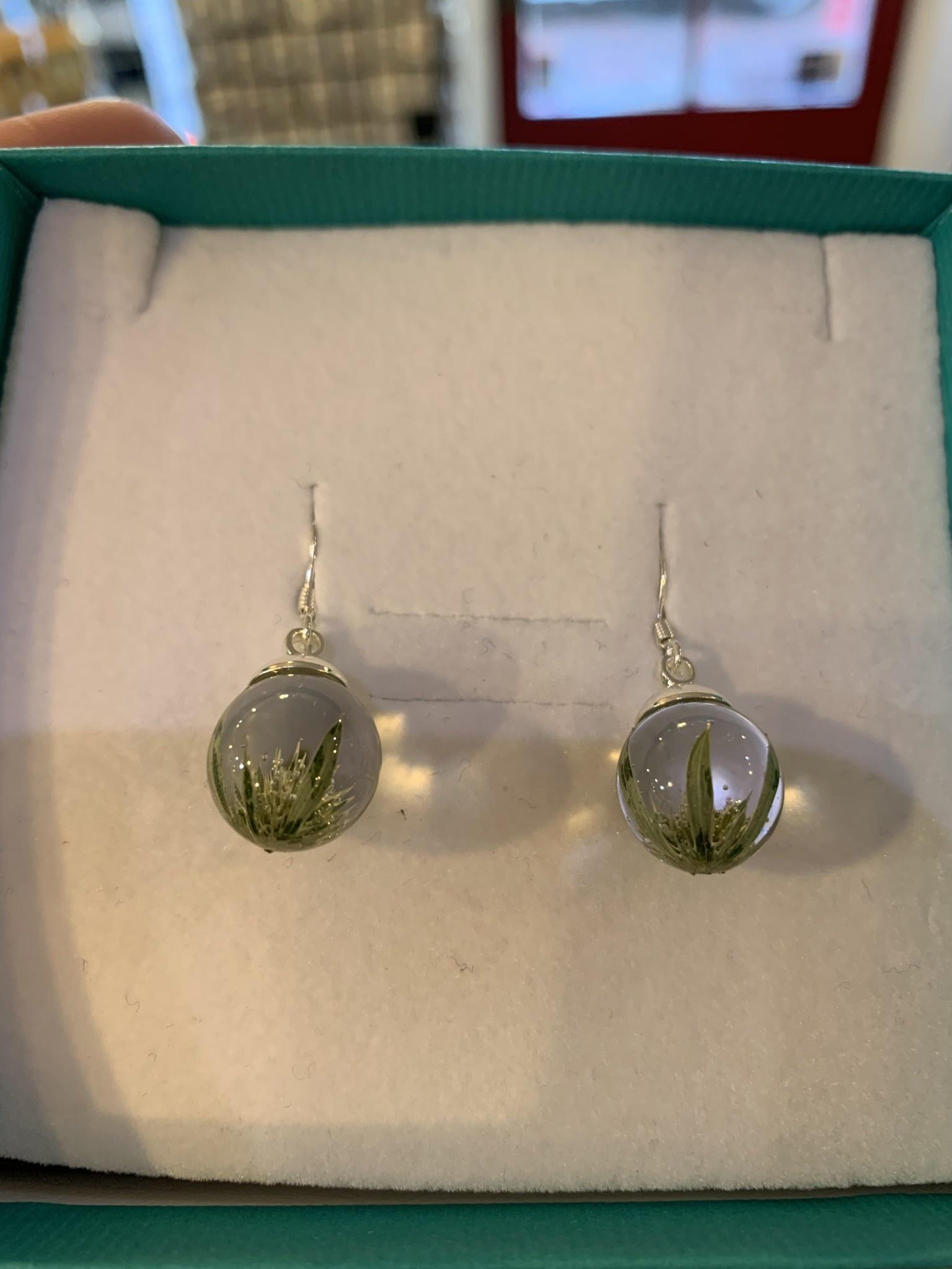 Earrings: SS Thistle Drop