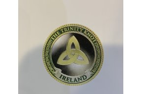 Charm: Collectors Coin Trinity Knot