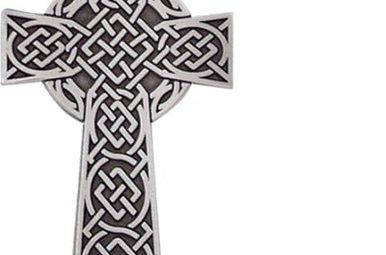 Visor Clip: Celtic Knot Cross