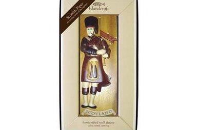 Plaque: Wood Bagpiper