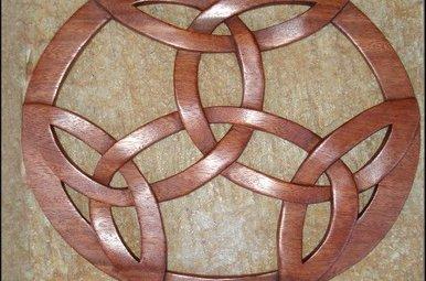 Plaque: Wood Celtic Knot