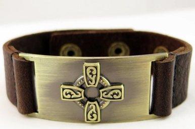 Bracelet: Celtic Cross, Leather & Zinc Alloy