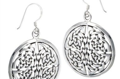 Earring: SS Silver Round Endless Knot