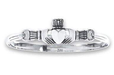 Bracelet: Sterling Bangle Claddagh WE01025