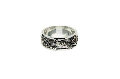Ring: Sterling Silver/Black Dragon