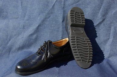 Shoes: Ghillie Brogue, Dress Rubber