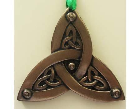 Clara Ornament: Trinity Knot