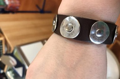 Bracelet: Leather Round Stud Brown