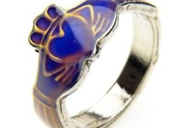 Ring: Mood Ring Claddagh
