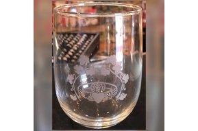 Glass: Stemless Wine 17 oz X4 Claddagh