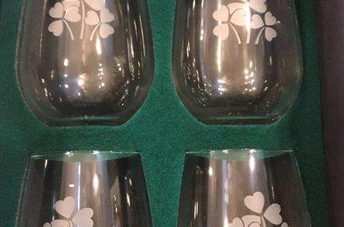 Glass: Pair 14 oz Goblet/Shamrock Etched