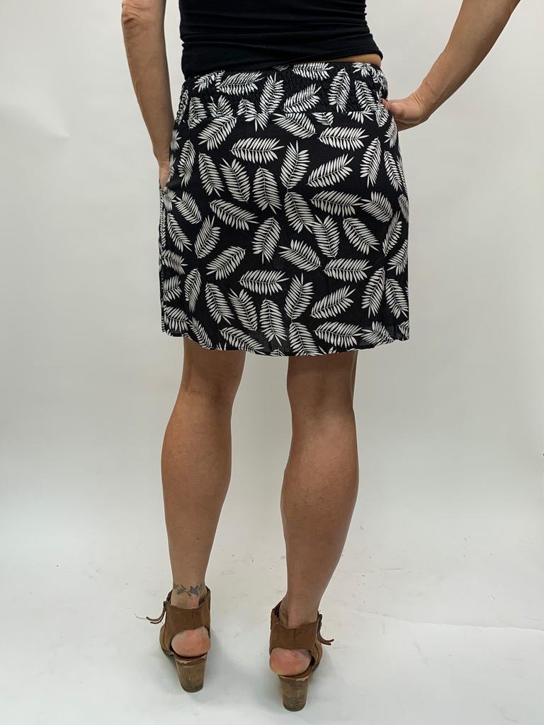 Zahara 3 Button Skirt, Black Palms