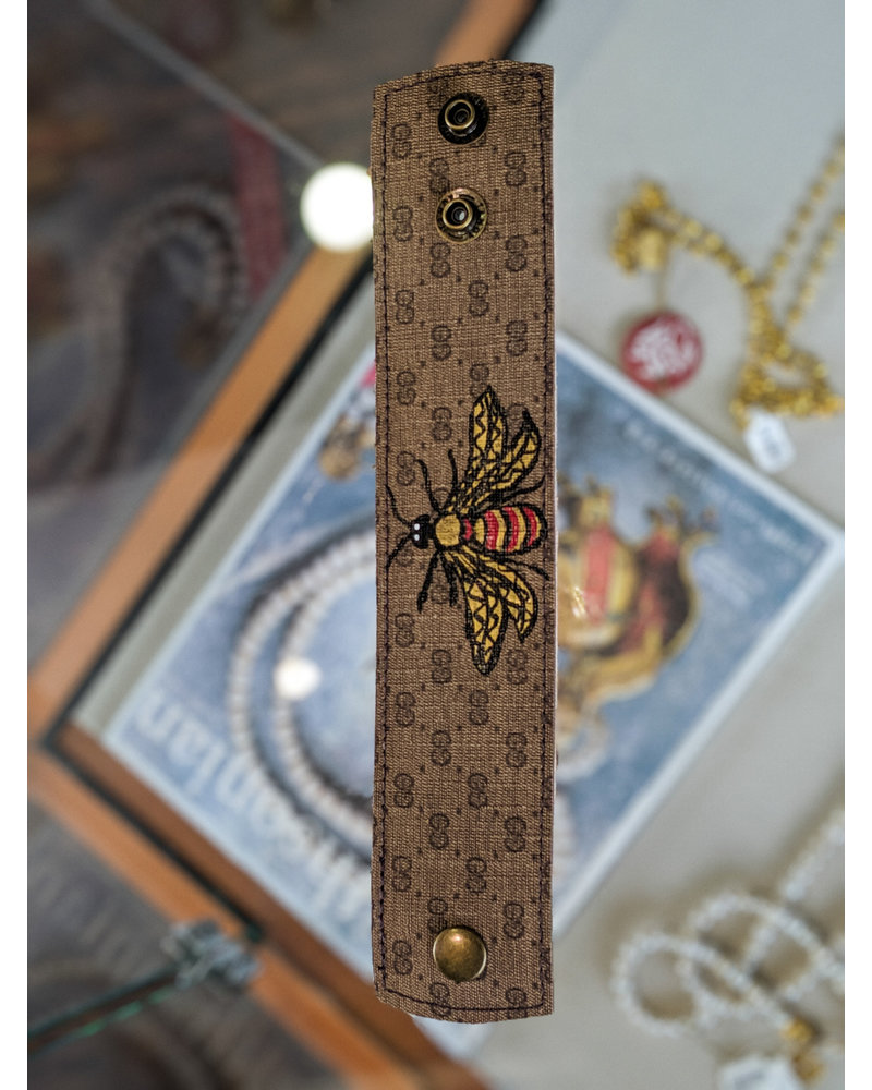 Suzy T Brown Gucci Bee Snap Bracelet