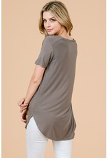 Must Have V-Neck Tee
