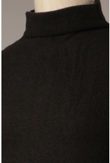 The Five Star Fitted Long Sleeve Top - Black