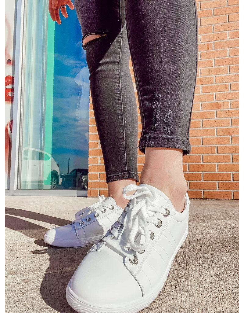 The Swift Lace Up Sneakers - White