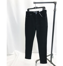 The Black High Rise Skinny - Curvy Style