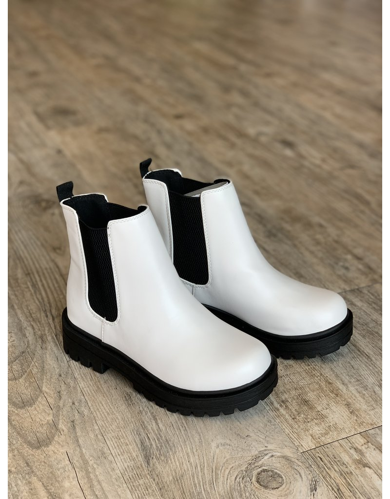 The Manchester Chelsea Leather Boots