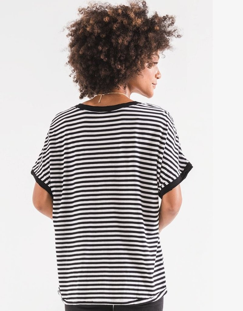 STRIPE BOYFRIEND V NECK TEE