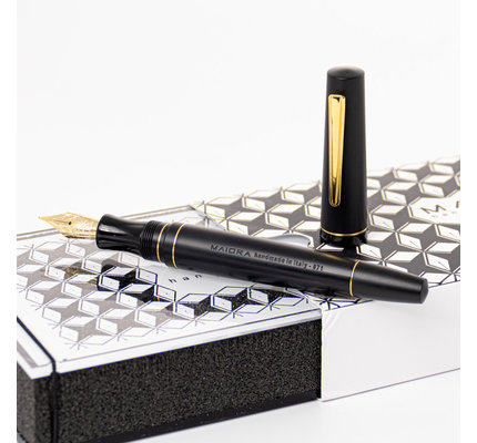 Maiora Maiora Impronte Black Matte Slim Fountain Pen