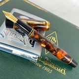 Pre-Owned Conway Stewart Limited Edition Churchill Bracket Brown Fountain Pen