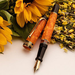 Aurora Aurora Optima Auroloide Marbled Orange with Gold Plated Trim Fountain Pen