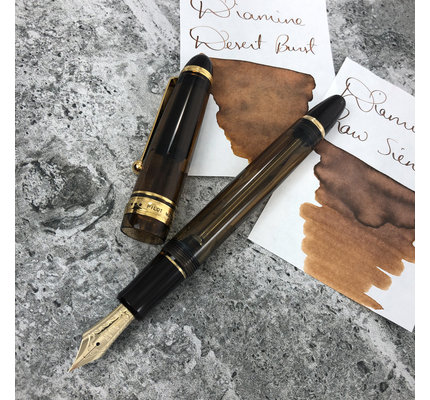 Pilot Pre-Owned Pilot Custom 823 Amber Fountain Pen