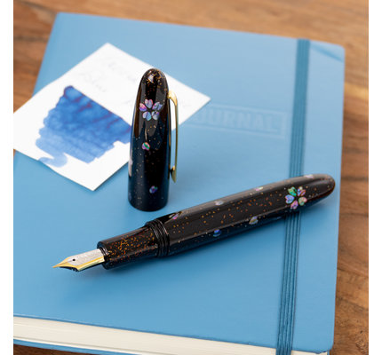 Taccia Taccia Limited Edition Miyabi Maki-e Midnight Sakura Fountain Pen Medium