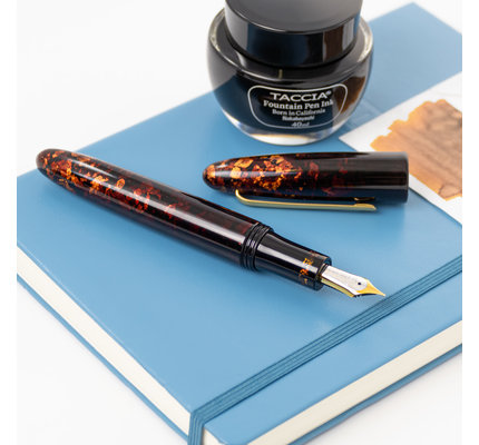 Taccia Taccia Limited Edition Miyabi Maki-e Amber Crystal Fountain Pen Fine