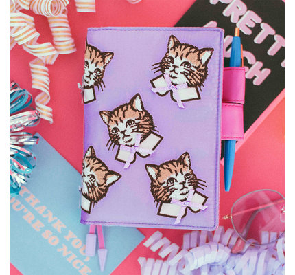 Hobonichi Hobonichi A6 Techo 2021 Agenda Candy Stripper: Spruced-up Cat